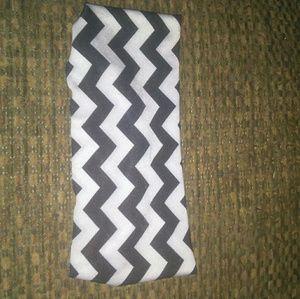 Black & White Chevron Striped Headband